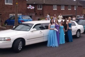 prom-girls-white-limo